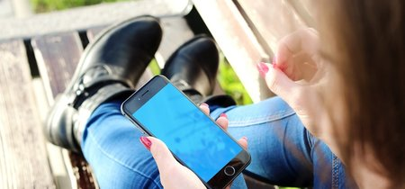 Cómo el smartphone está evitando que nos aburramos... y que observemos el mundo