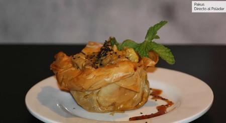 Curry suave de pollo en cesta crujiente de pasta philo