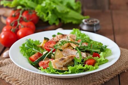 Recetas de cenas saludables: ensalada de vegetales con carne molida