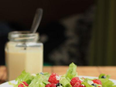 Aderezo de mostaza, miel y yogur para ensaladas. Receta