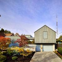 Esta casa con estudio de trabajo integrado te va a encantar e inspirar