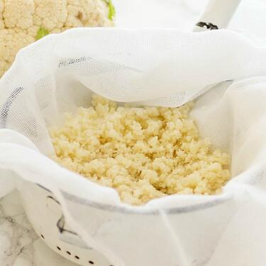 Cómo hacer cuscús de coliflor o colirroz: receta fácil, ligera y saludable para usar en un montón de platos
