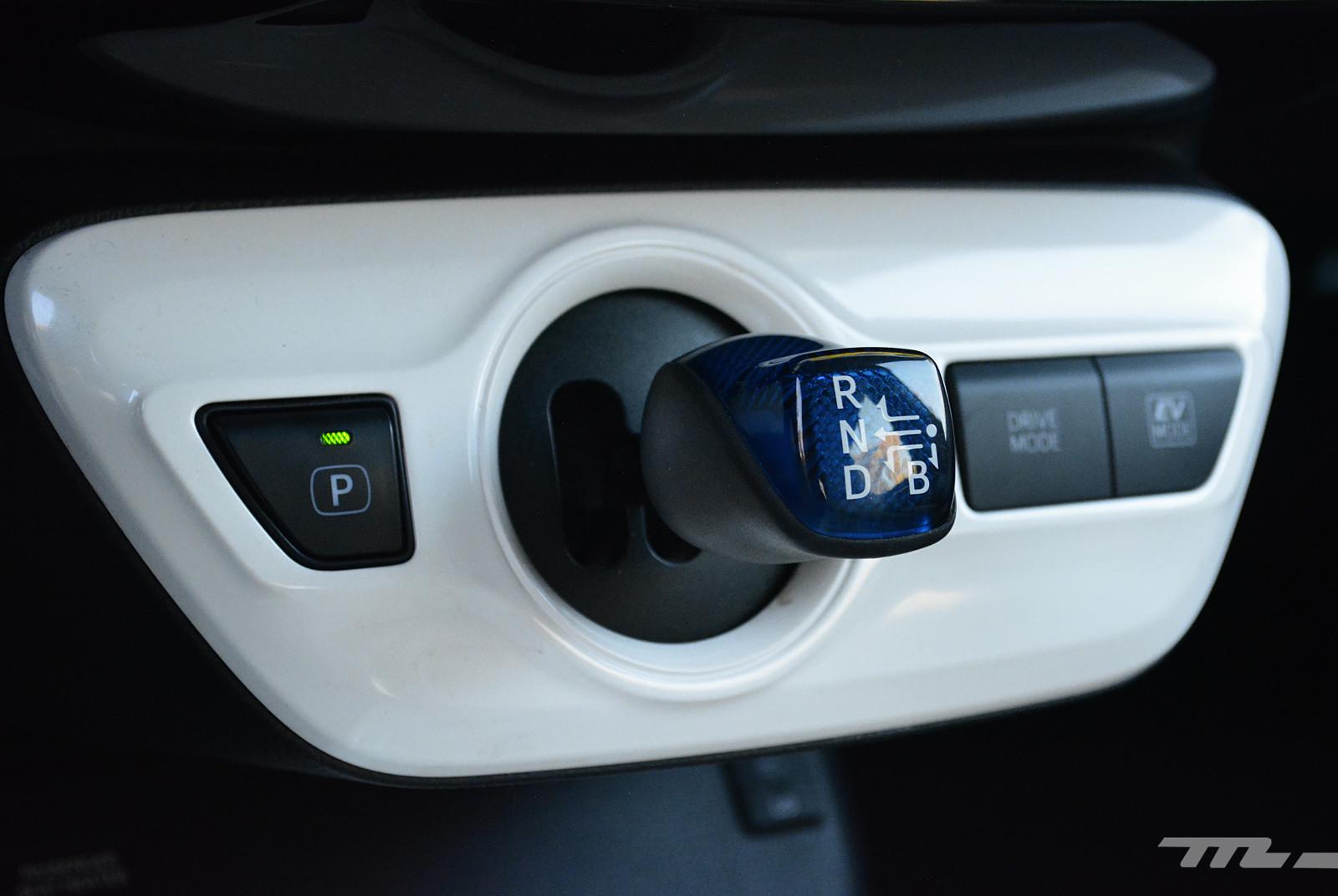 Foto de Hyundai Ioniq vs. Toyota Prius (12/22)