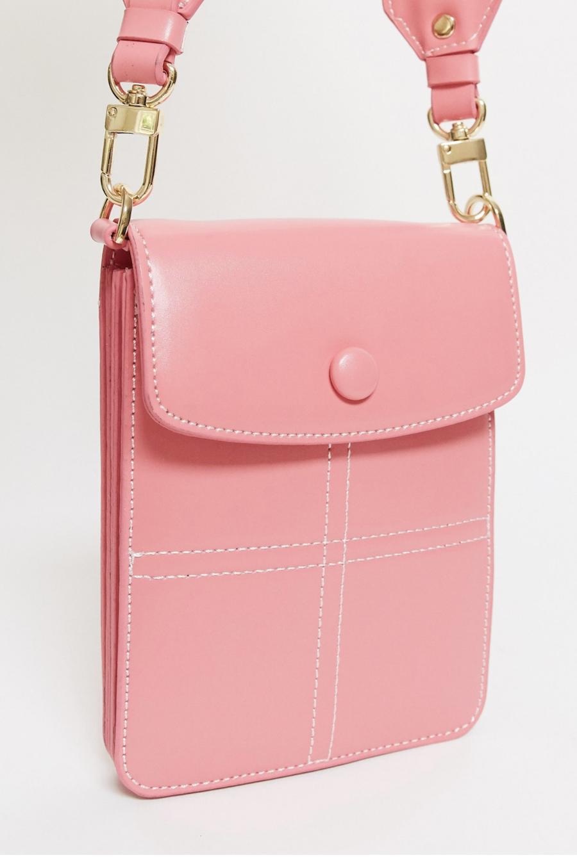 Bolso bandolera pequeño en rosa caramelo de Topshop