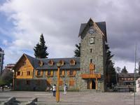 El pueblo de Bariloche limpia su ceniza