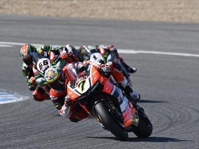 Sólo dos puntos separan a Jonathan Rea del título en Superbikes