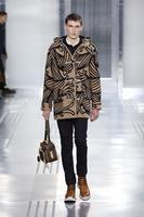 Los estampados retro inundan la colección Louis Vuitton otoño-invierno 2015/2016