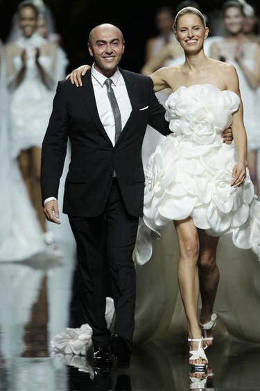 Manuel Mota: adiós al diseñador de las novias españolas
