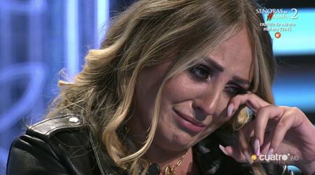 Rocío Flores llorando