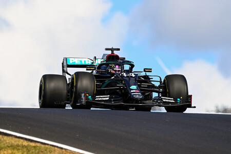 Lewis Hamilton ya es el piloto con más victorias de la Fórmula 1 en una carrera que lideró Carlos Sainz