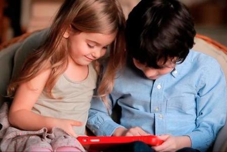 ¿Tu bebé se ha adueñado de tu smartphone? Éste es el mejor contenido infantil para ver en streaming