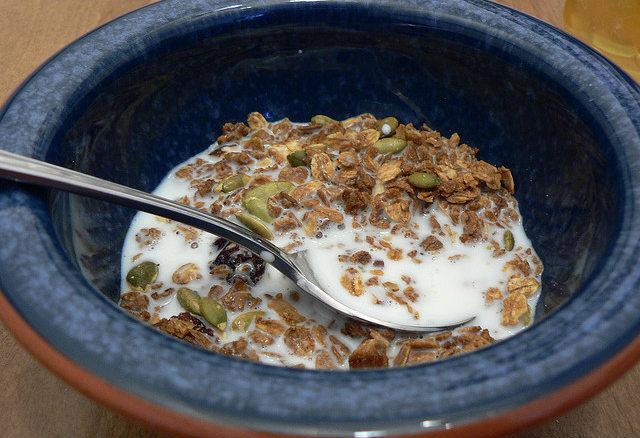 Leche con cereales y frutos secos