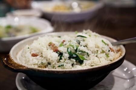Arroz norteño con chile poblano. Receta fácil de la cocina tradicional mexicana