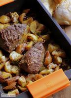 Picanha al horno con patatas y pimientos. Receta