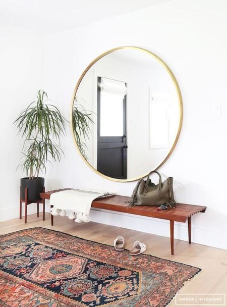 21 peque os recibidores que te ayudar n a inspirarte para for Espejo redondo grande
