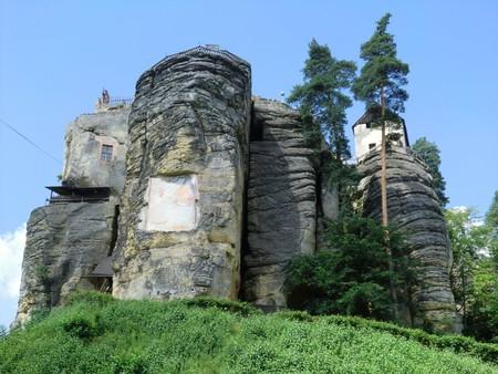 Castillo en la roca Sloup República Checa