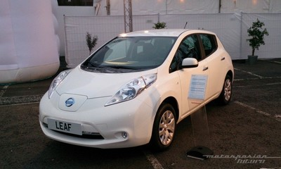 Nissan LEAF 2013 desde 24.000 euros en España, 18.500 euros con ayudas, más alquiler de batería