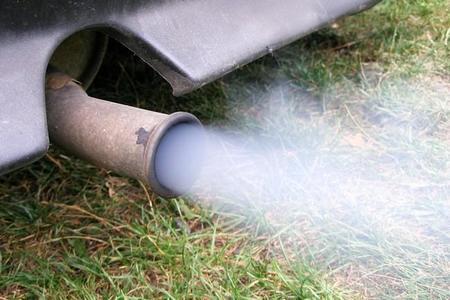 Contaminación de un tubo de escape