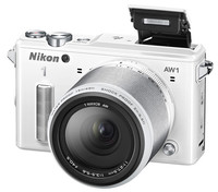 Nikon AW1 con lentes intercambiables y resistente al agua