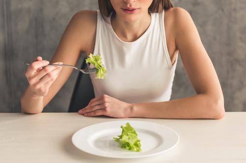 Cinco claves para controlar la ansiedad cuando estamos a dieta para bajar de peso