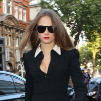 Los mocasines de las celebrities plantan cara a las sandalias de moda