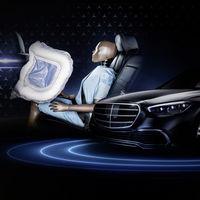 El nuevo Mercedes-Benz Clase S será el primer coche con airbag frontal para las plazas traseras