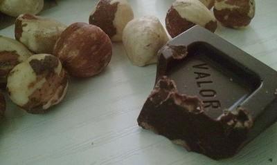 Chocolates Valor da un ejemplo de confianza al comprar Huesitos