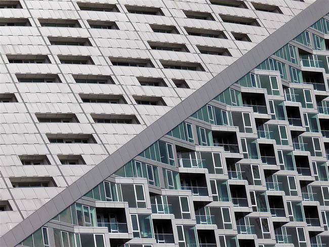Reimaginando edificios y estructuras de la mano de Nikola Olic
