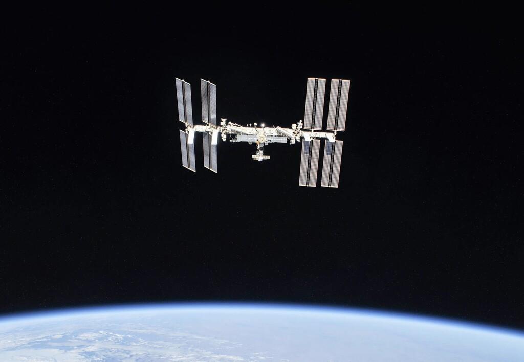 Rusia amenaza con dejar la Estación Espacial Internacional: las sanciones de los EE.UU. han frenado su programa espacial