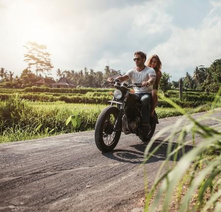 Moto Sin Casco