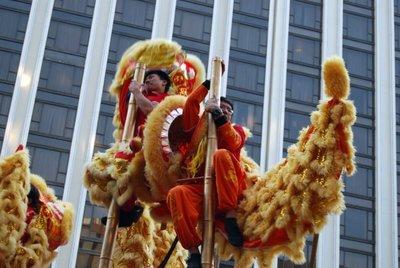 La tradición de la danza del León y del Dragón en Hong Kong