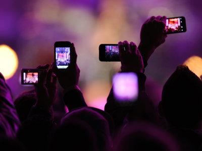 Con la última patente de Apple no podrás ni hacer fotos ni grabar vídeos en cines o conciertos