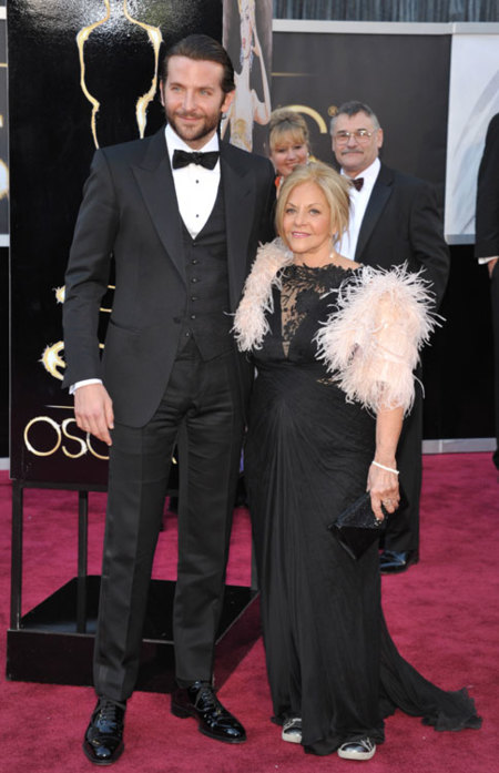 Bradley Cooper y su madre Gloria Cooper