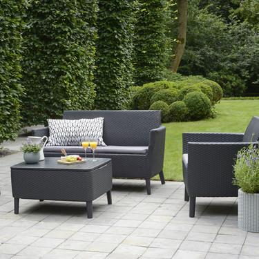 La resina que imita fibras lo aguanta todo y es una de las mejores opciones para muebles de exterior