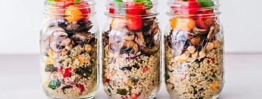 Ensaladas verticales: la forma más sencilla e instragrameable de elaborar comida saludable para toda la semana