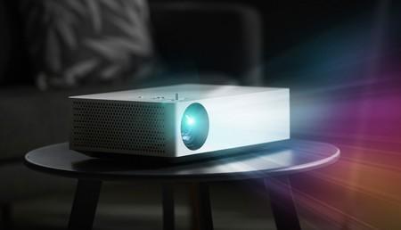 LG ya tiene nuevo proyector 4K LED, es el HU70LA y quiere ayudarnos a montar una pantalla de hasta 140 pulgadas en el salón