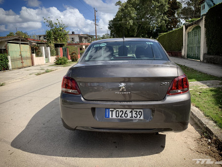 Peugeot 301 Prueba Cuba trasera