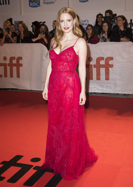 tiff toronto international look celebrity alfombra roja red carpet jessica chastain
