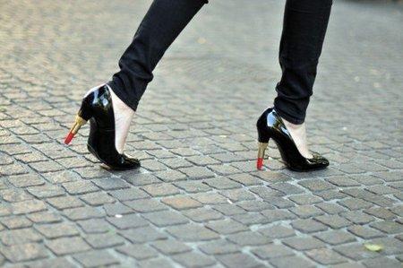 lipstick-heels-530x352.jpg