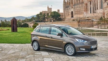 Ford C-Max sale de circulación