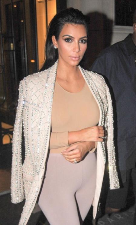 """El look """"ortopedia"""" de Kim Kardashian"""