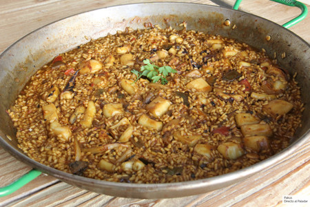 Receta de arroz con sepia y verduras: un clásico de la gastronomía alicantina