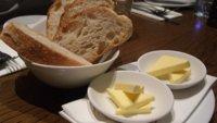 Alimentos con colesterol y alimentos que favorecen el aumento de colesterol en sangre