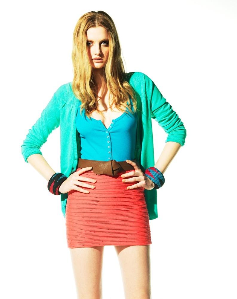 Foto de Bershka, lookbook de abril Primavera 2011: ¡más color en las tiendas! (17/22)