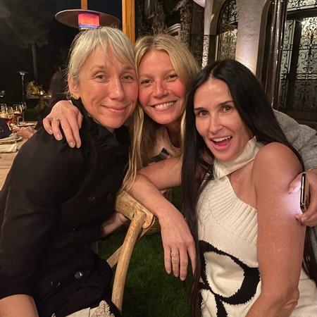 Gwyneth Paltrow y sus amigas demuestran cómo estar estupendas sin una pizca de maquillaje