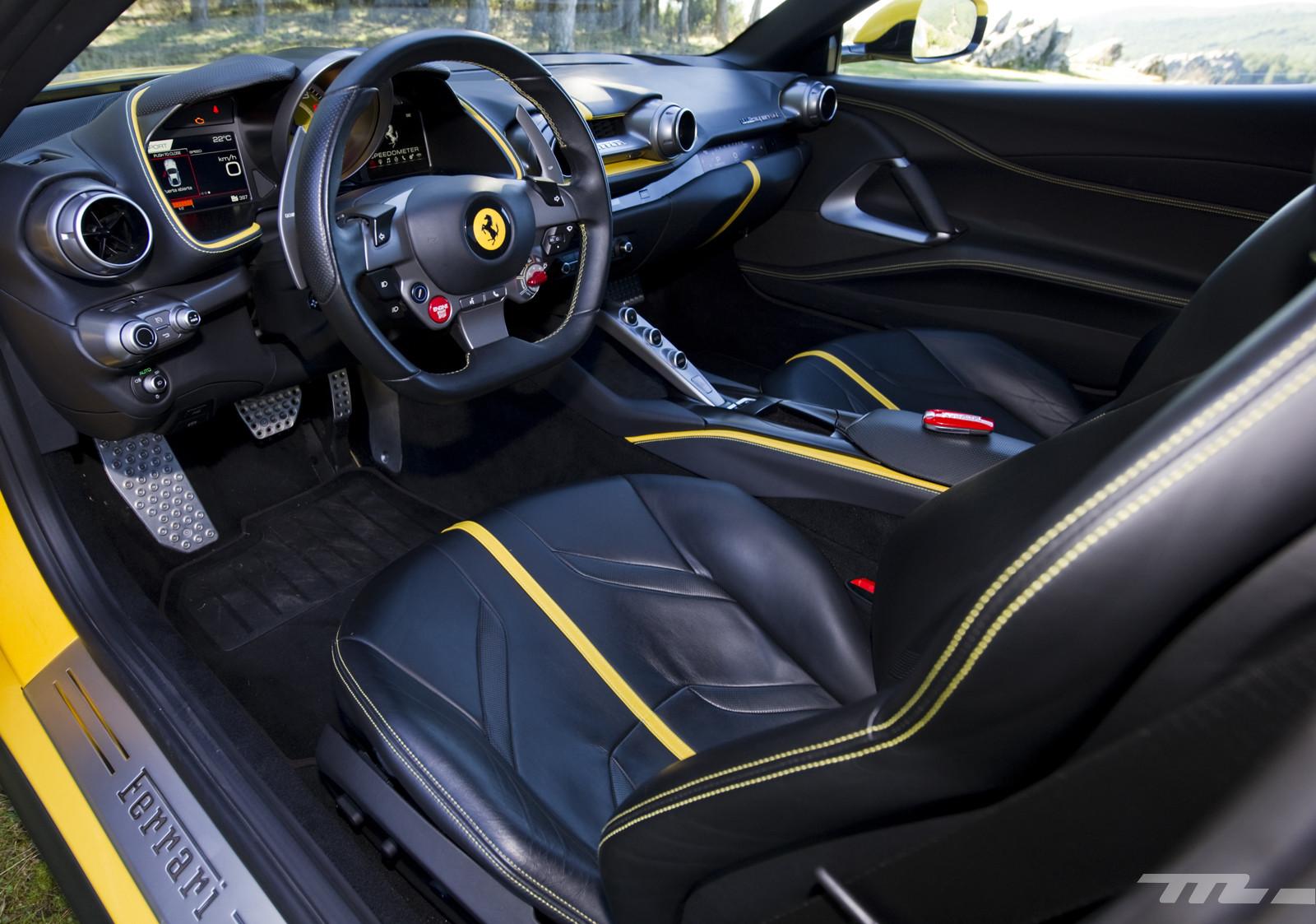 Foto de Ferrari 812 Superfast (prueba) (45/55)