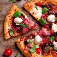 Cómo calentar una pizza fría, según la pizzería Roberta de Brooklyn