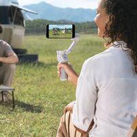 """Vídeos """"de cine"""" este verano con el estabilizador DJI Osmo Mobile 4, a su precio mínimo histórico en Amazon por 119,20 euros"""