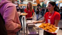 La inauguración de la Apple Store La Cañada en Marbella en imágenes
