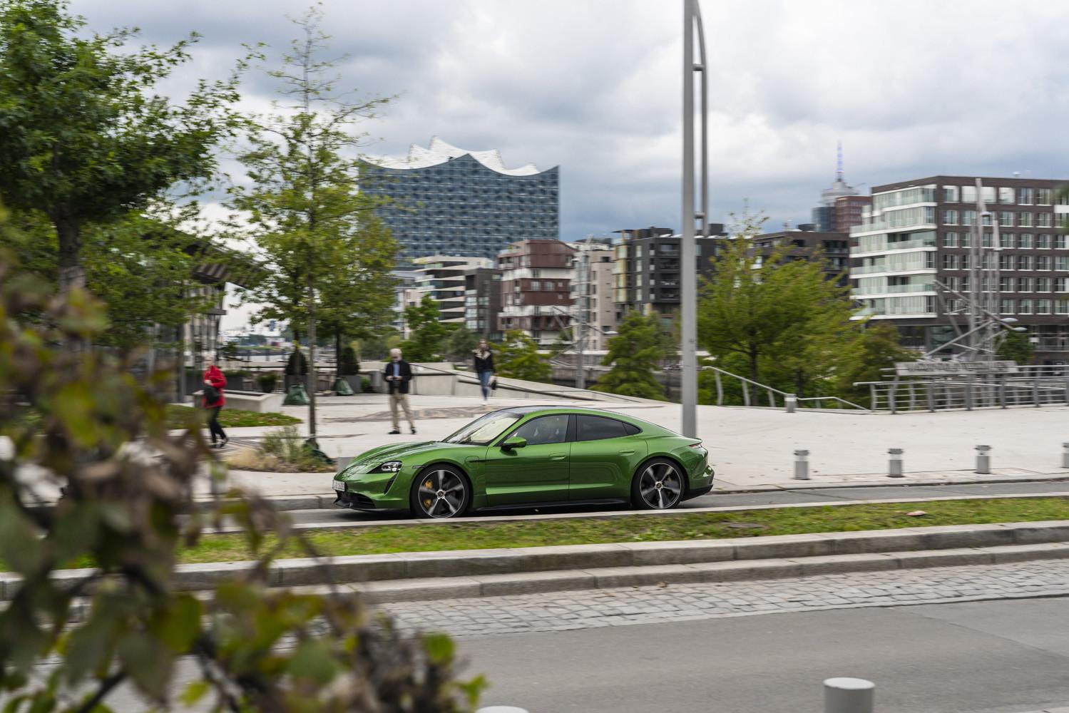 Foto de Porsche Taycan prueba contacto (215/275)